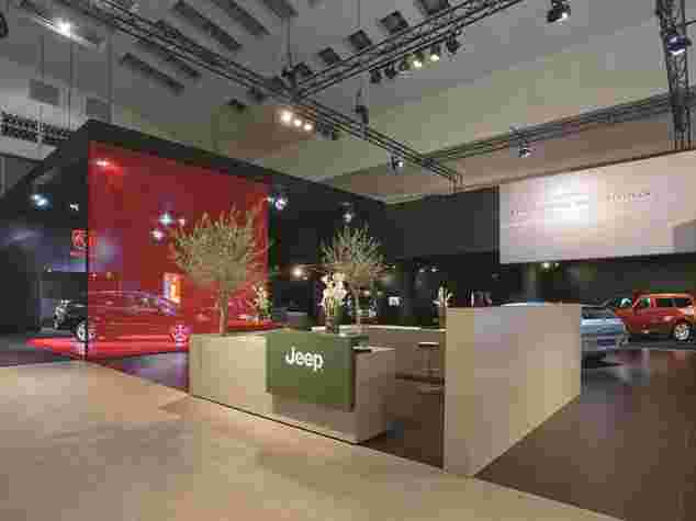 Aluvision Messestand von Jeep